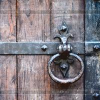 Тяжелые входные двери