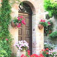 Высокие входные двери